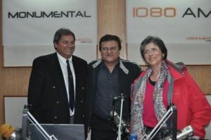 Rito Pedersen, Juan Pastoriza & María Fernández-Toro at the Radio Monumental studios